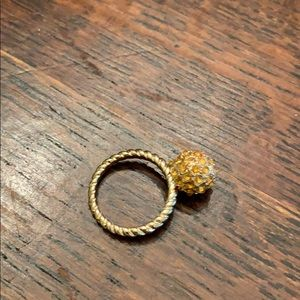 Fun Vintage gold tone cocktail ring size 6